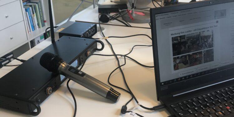 Mit der richtigen Mikrofon-Anlage klappt die Technik auch bei größeren veranstaltungen mit mehreren Moderatoren.